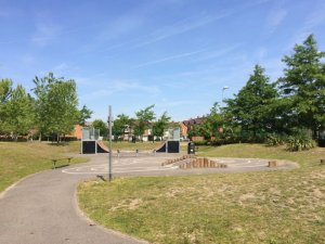 Elvetham Heath Community Ctr. Skatepark